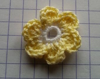 Crochet applique little yellow and white flowers for sale individually 2
