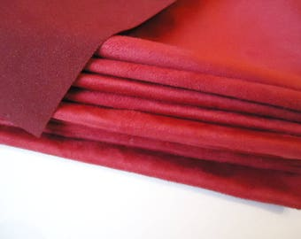 "Coupon - 57cm x 50cm - suede red ""Skin"" quality-"
