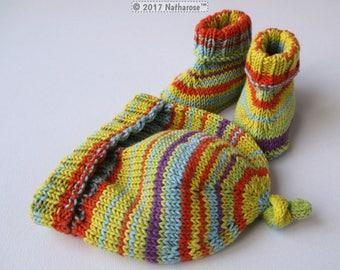 Bonnet et chaussons multicolores en coton peigné taille 3 mois