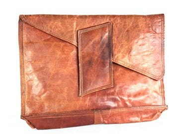 iconic old handbag - purse - clutch - leather