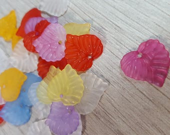 Mix 20 leaves acrylic 15mm x 14mm