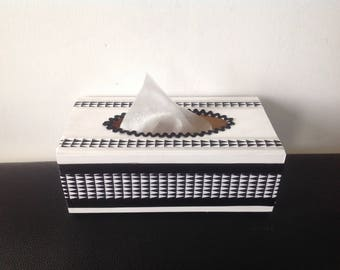 Geometric... Box with handkerchiefs black and white Triangles