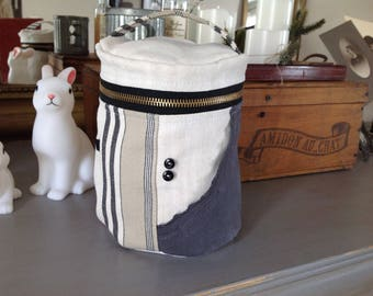 Toiletry bag zip old linen and black and beige striped canvas