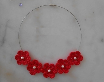 the flowers Choker in red cotton crochet, beads, necklace