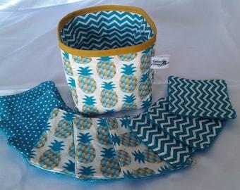 lingettes lavables et vide poche réversible assorti en éponge bleu canard motifs ananas et chevrons