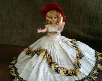Duchess doll of the Nations Parisian girl Miss France