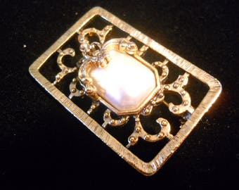Vintage Faux Pearl Fancy Gold Tone Frame Brooch