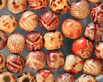 set of 10 round wooden beads