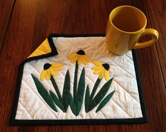 Black Eyed Susan mug rug set with mug