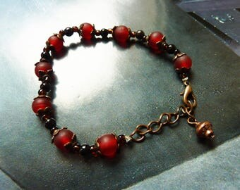 Bracelet red beads on chain