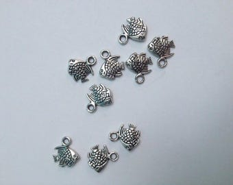 charm fish 11 x 9 mm silver color