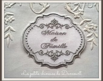 Regency Dollhouse family Medallion gray