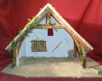 """Crèche de Noël en bois """"Grande Cantalienne"""" et ses accessoires"""