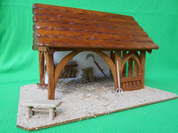 Cr che de no l en bois rebecca lumineuse toit - Fabriquer une creche de noel en bois ...