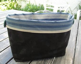 empty basket Pocket black and blue