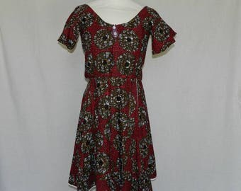 """Oval dress """"kikee"""" in red and Brown fabric. One size 34/38"""