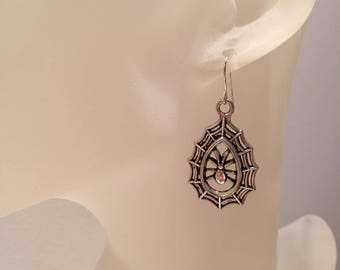 Canvas d spider earrings
