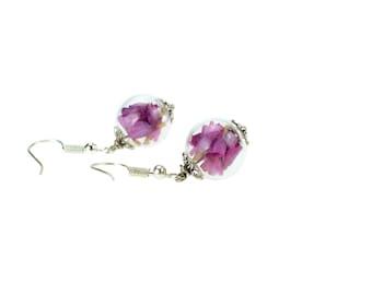 Sleeper earrings, glass and Statice fuchsia flowers