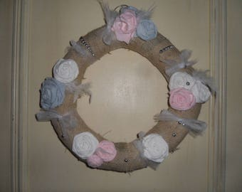 wreath hanging in Burlap, tulle, pink fabric
