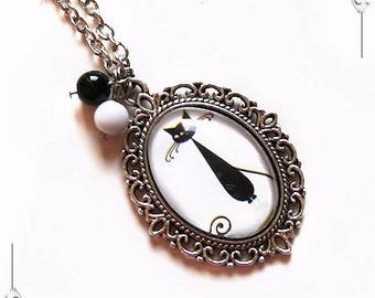 """""""Le Chat"""" 1 black & white Cabochon pendant romantic Locket necklace with glass and silver plated copper"""