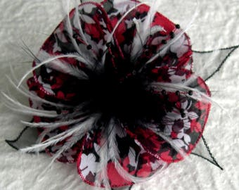 Flower brooch in fabric & feathers and pearls 030