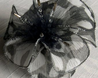 Small hair clip flower fabric & feathers and pearls 034