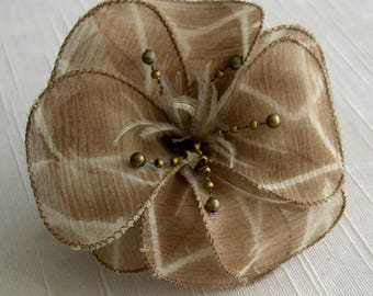 Small hair clip flower fabric & feathers and pearls 052