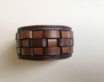 Bracelet leather craftsmanship, braid with border