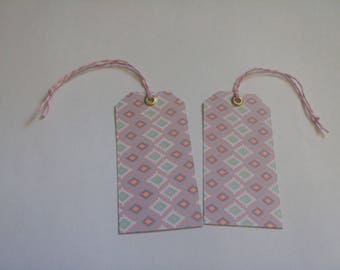 2 tags geometric medium size