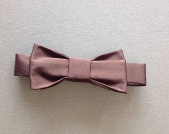 Adjustable bowtie for baby.