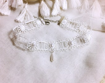 White lace Bohemian wedding/party/ceremony necklace