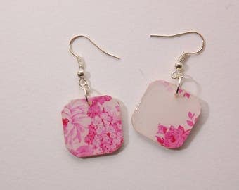 Pink floral pattern, square earrings