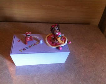 Box my wooden treasures with cold porcelain decorations