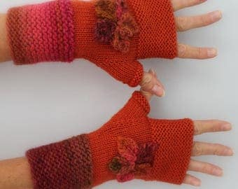 hand knitted woman mittens orange flowers