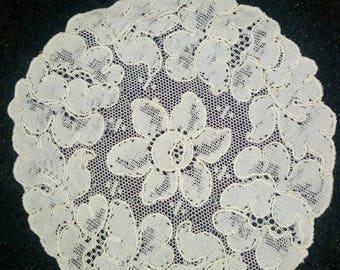 very nice doily lace Castillo 13.5 cm