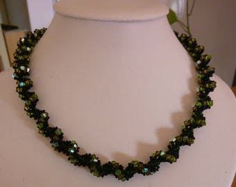 spiral rope in swarovski pearls and seed beads, green and black