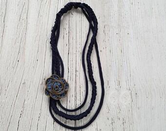 Blue sky zip-zip necklace