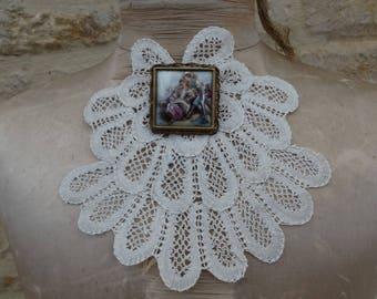 Ascot old lace, vintage bobbin lace jabot. Old collar. Old collar. vintage Ascot bow france lace