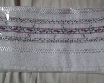 Guest embroidered Lavender path servitte
