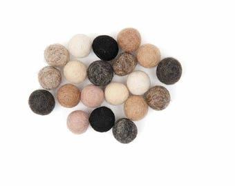 20 diameter 1.5 cm felt balls