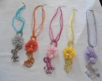 wire auminium pendant 2 colors with fabric flower