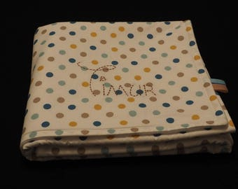 Small fleece blanket embroidered with the name of child with polka dots