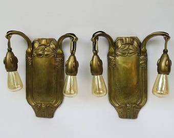 1 pair of wall lights Jugendstil, Art Nouveau, brass, each 2flammig