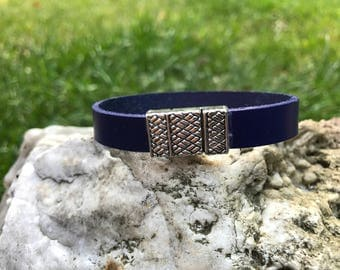 Navy blue 7 inch leather bracelet. #11