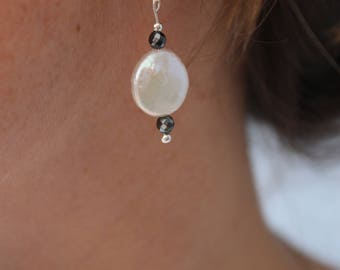 Earrings in 925/1000 silver with freshwater pearl