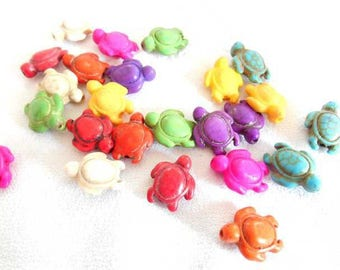 A set of 8 18 mm Howlite turtle beads.