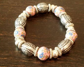 Floral Pink and Silver Beaded Bracelet