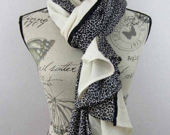 Large long scarf 200 x 90 Beige and Panther Ava