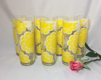 Mod Yellow Daisy Flower Power Vintage Tom Collins Glasses by Colony - set of 7