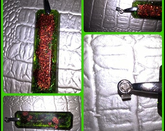 Wand in translucent resin pendant